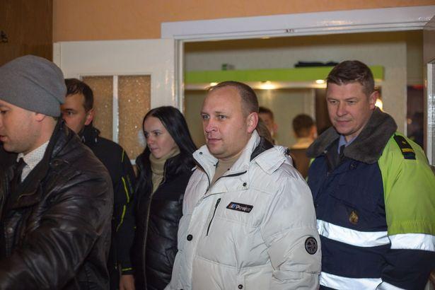 Участники «Рация Zello Барановичи» и сотрудники ОГАИ Барановичского ГОВД. Фото: Бегли АКМЫРАДОВ https://vk.com/zellobar