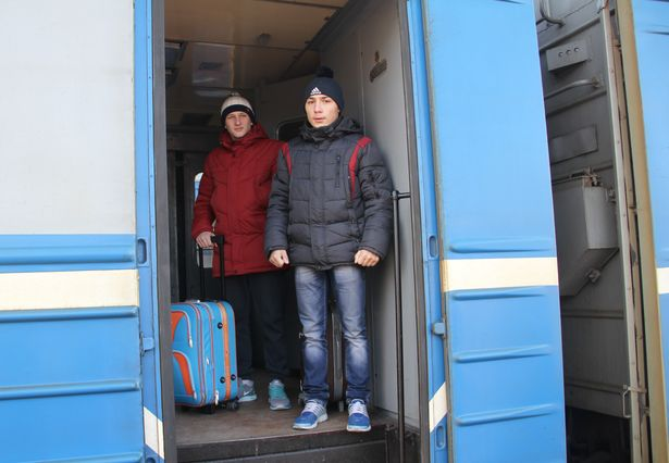 Даниил Лосев и Александр Панасеня направляются в Минск в аэропорт
