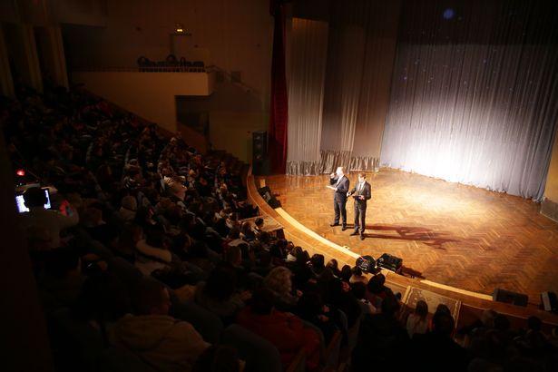 Выступление участников студии Параллель на творческом вечере 29 ноября