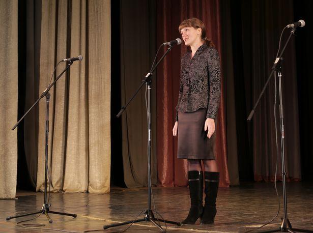 Перед началом праздничного концерта к собравшимся обратилась Светлана Павлович, начальник отдела идеологической работы, культуры и по делам молодежи Барановичского горисполкома