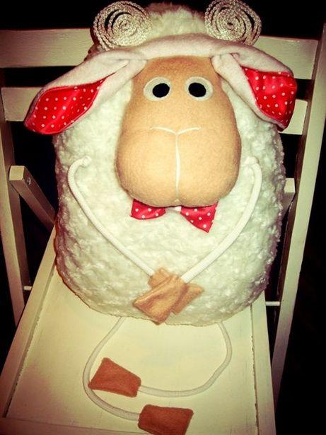 Подушка-овечка Натальи Борисевич. Фото из архива автора.