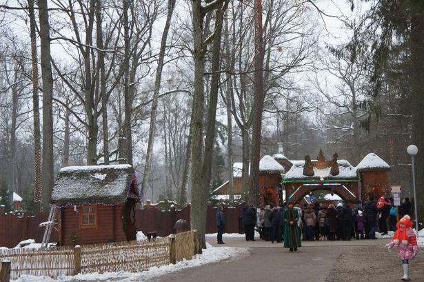 Вход в резиденцию Деда Мороза. Фото: Ольга ШИРОКОСТУП