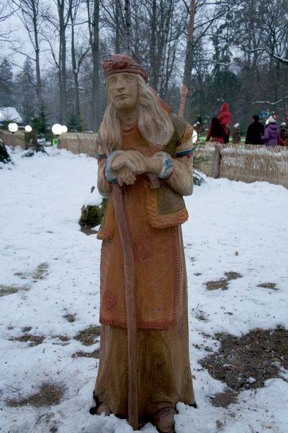 В Беловежской пуще есть только деревянная Баба Яга, зато здесь живет ее дочка – Баба Коргота. Фото: Ольга ШИРОКОСТУП