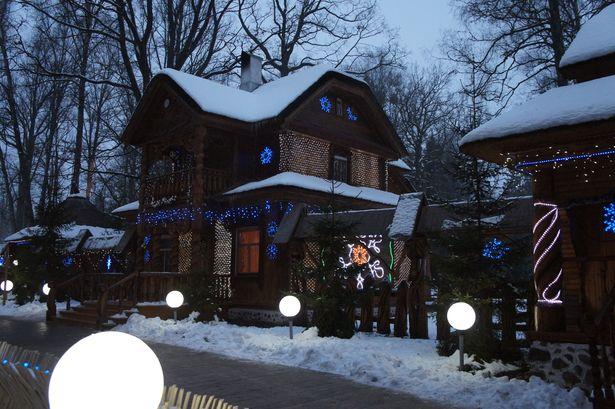 Сказочный дом белорусского Деда Мороза. Фото: Ольга ШИРОКОСТУП