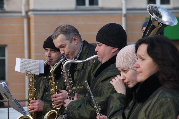 Оркестр под управлением магистра музыки Василия Прадуна. Фото: Александр ТРИПУТЬКО.