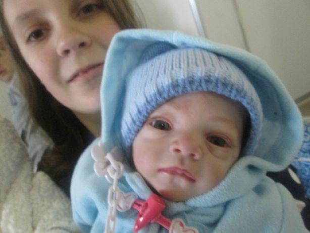 Младенец выглядит как настоящий. Фото: Татьяна НЕКРАШЕВИЧ.
