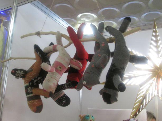 Коты из обыкновенных носков. Фото: Татьяна НЕКРАШЕВИЧ.