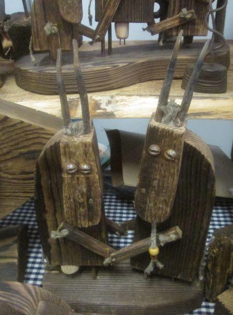 Сувениры, собранные из бруса и метиз. Фото: Татьяна НЕКРАШЕВИЧ.