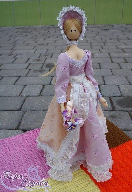 Текстильная кукла мастера Веры Серовой. Фото из архива автора.