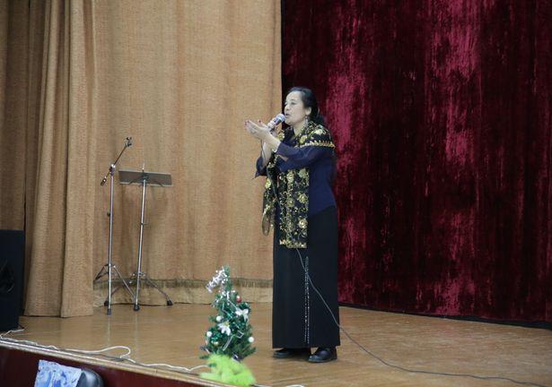 Анжелика Марцинкевич порадовала всех цыганскими песнями. Фото: Дмитрий МАКАРЕВИЧ