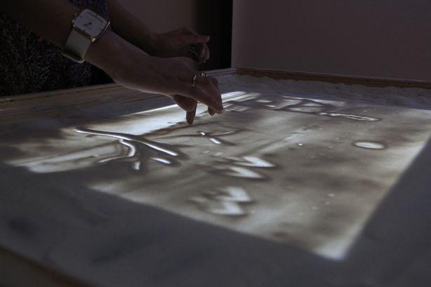 Кристина научилась песочной анимации, даже не умея рисовать. Фото: Александр ТРИПУТЬКО.