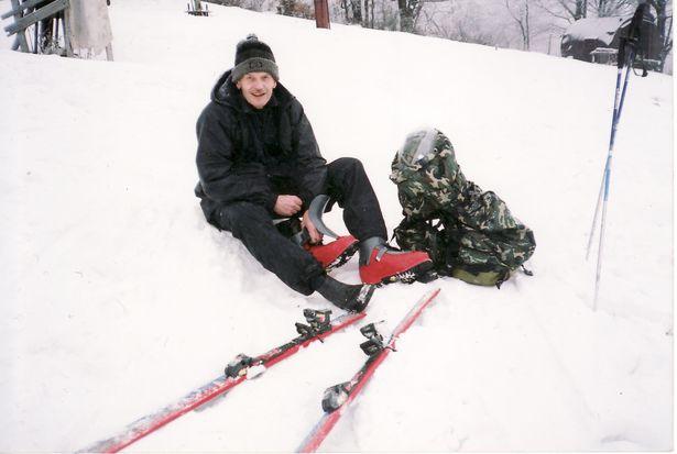 Выклікаючы снег на горныя схілы, Юрый Мацюшка часцяком наклікаў на сябе бяду. Фота: архіў Юрыя МАЦЮШКІ