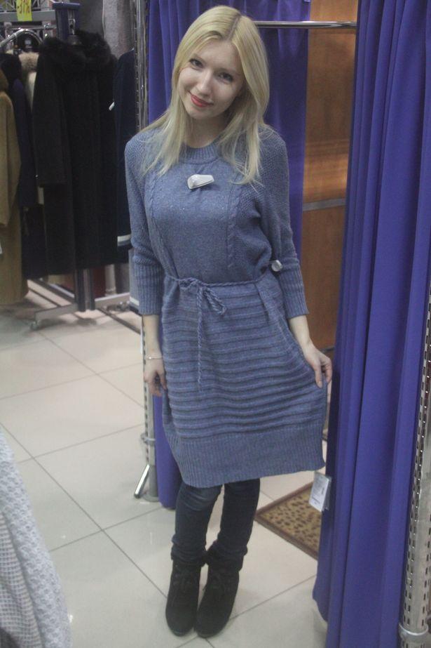 Основные цвета платьев и кофт белорусских производителей: синий, коричневый, горчичный и малиновый.