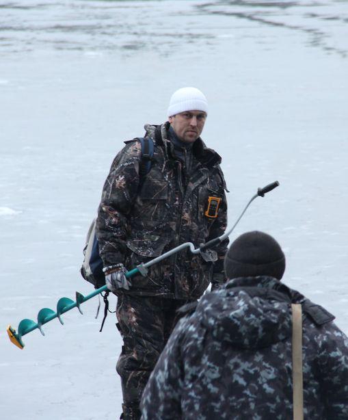 Рыбаки в полной боевой готовности. Фото: Александр ТРИПУТЬКО