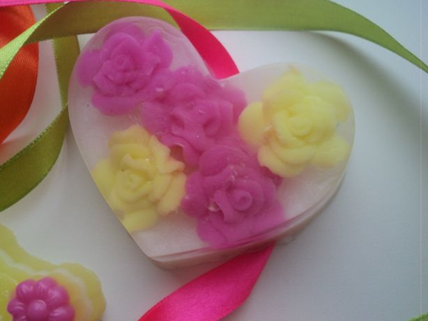 Декоративное мыло в виде сердца. Фото из архива автора.