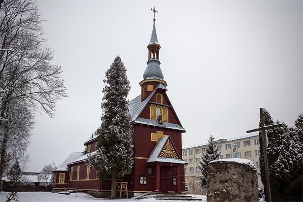 Костел Воздвижения Святого Креста. Фото: Юрий ПИВОВАРЧИК