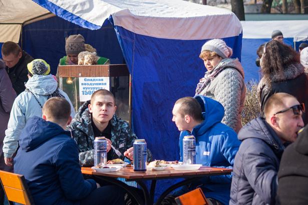 Масленица в Барановичах. Фото: Юрий ПИВОВАРЧИК