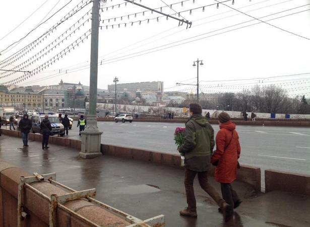 Место убиство Бориса Немцова, Москворецкий мост, Москва, 28 февраля. Фото: Виктор АНДРОЩУК