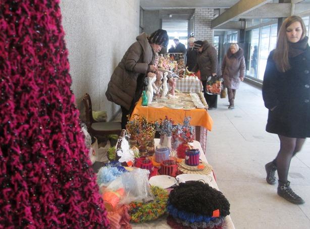 На ярмарке представлены различные виды ремесленнической деятельности. Фото: Татьяна НЕКРАШЕВИЧ.