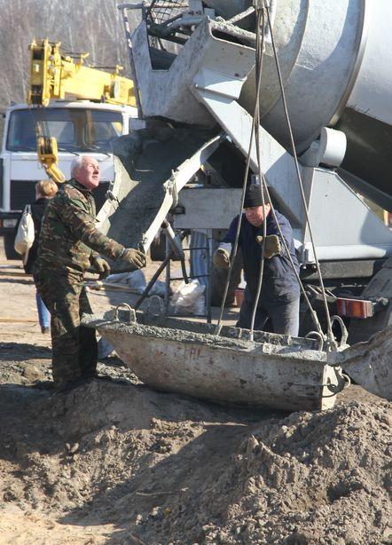 Строители пообещали закончить реконструкцию в срок. Фото: Александр ТРИПУТЬКО