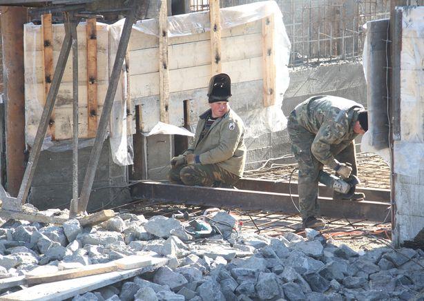 Ведутся строительные работы. Фото: Александр ТРИПУТЬКО