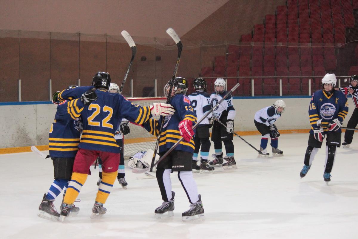 Барановичские ребята выиграли у команды из Витебска со счетом 3:2.
