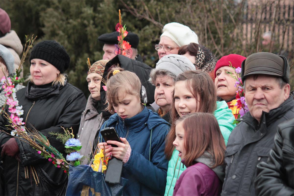 В Барановичах православные христиане встретили Вербное воскресенье. Фото: Юрий ПИВОВАРЧИК