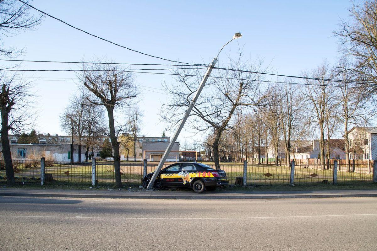 Авария 8 апреля на ул. Репина. Фото: Дмитрий Корней, ВКонтакте