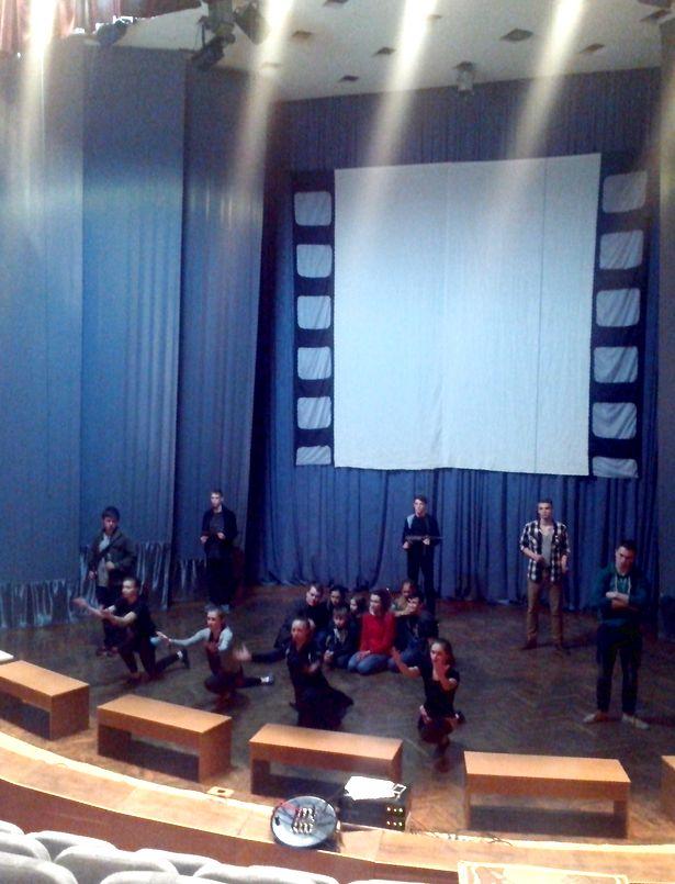 Репетиция спектакля Варшавский набат. Фото: Ольга ШУМАНСКАЯ