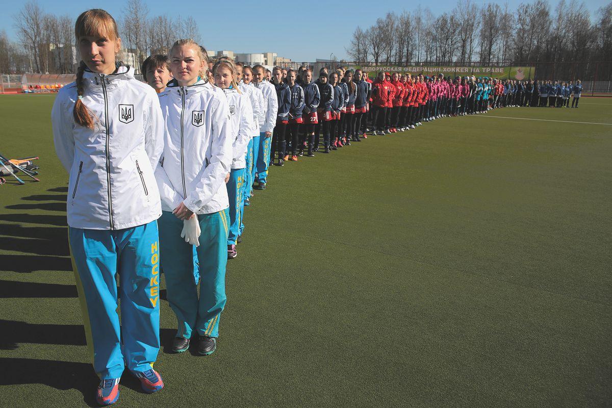 Команды-участники во время исполнения гимна Республики Беларусь