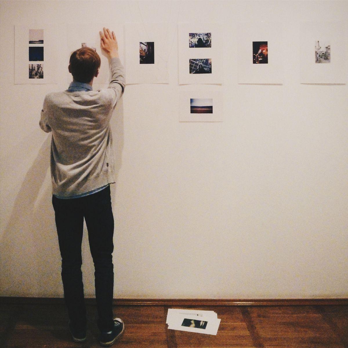 Подготовка выставки. Фото: архив Валентина ДУДУКА