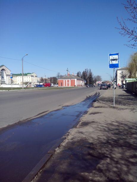 Автобусная остановка без расписания автобусных маршрутов. Фото: Татьяна НЕКРАШЕВИЧ