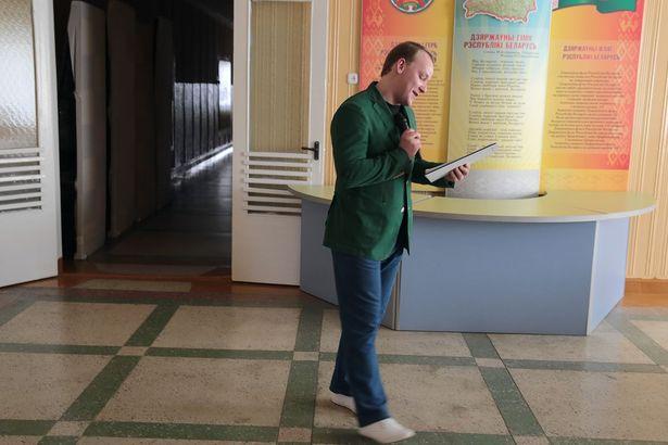 Ведущий фестиваля Евгений Басалай
