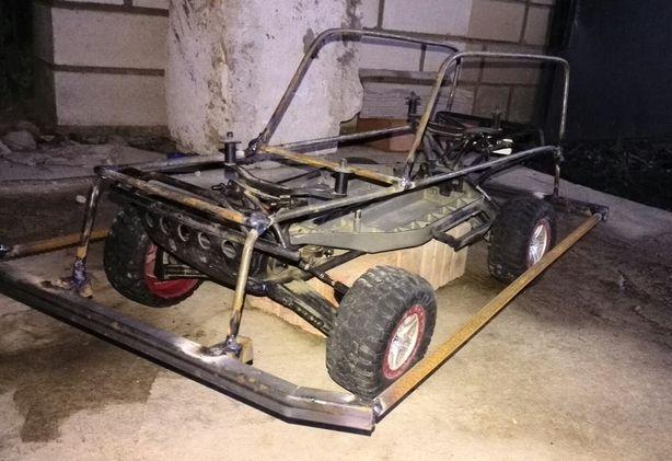 Радиоуправляемая модель, имеет максимальную скорость 70 км/ч. Водитель – Александр Роус. Фото: архив Автоклуба Стрит Лайн.