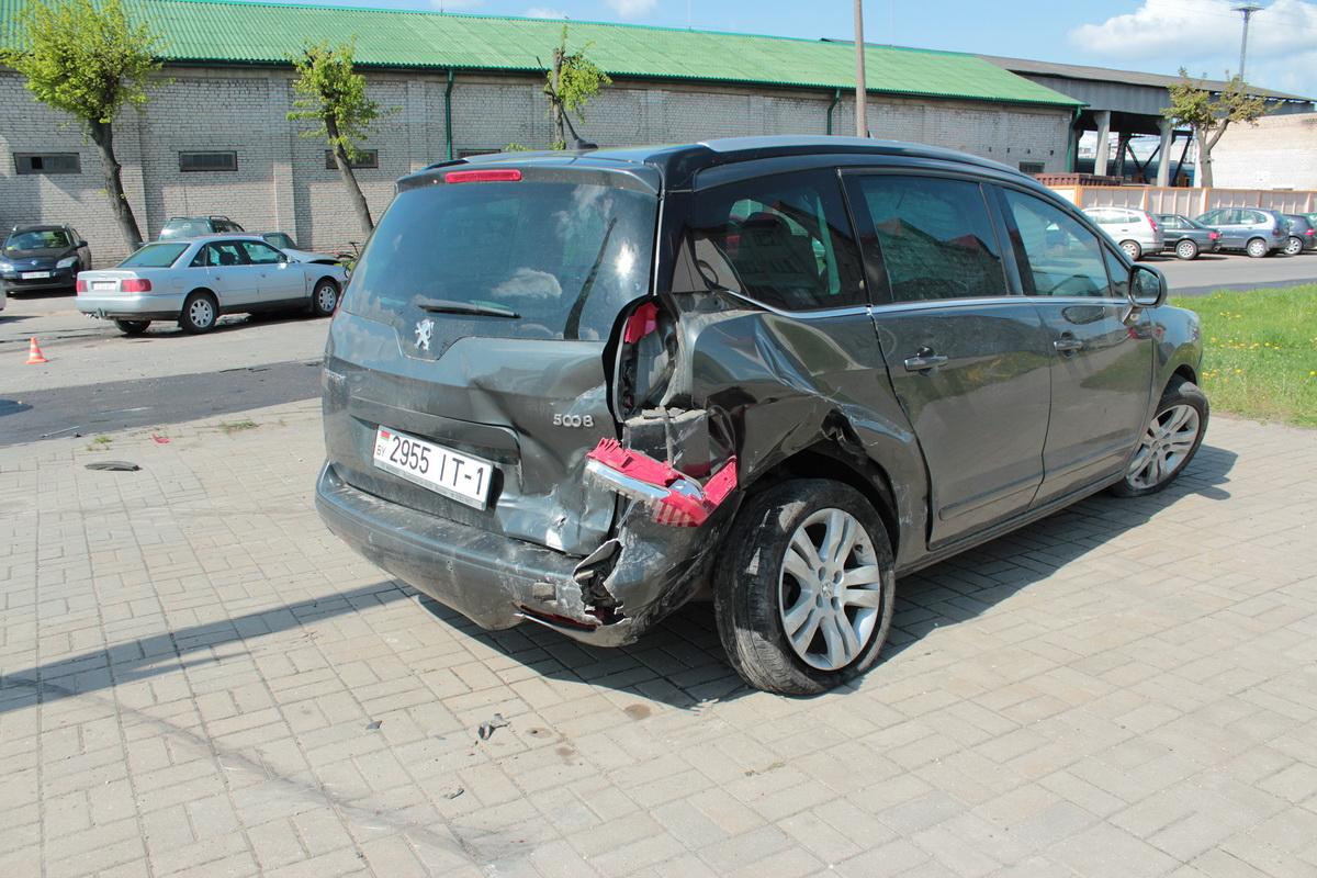 Авария на улице Фроленкова