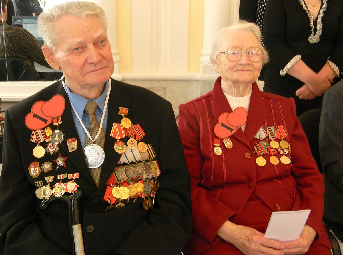 Сергей и Вера Архиповы отметили 68-ю годовщину совместной жизни. фото: Наталья СЕМЕНОВИЧ