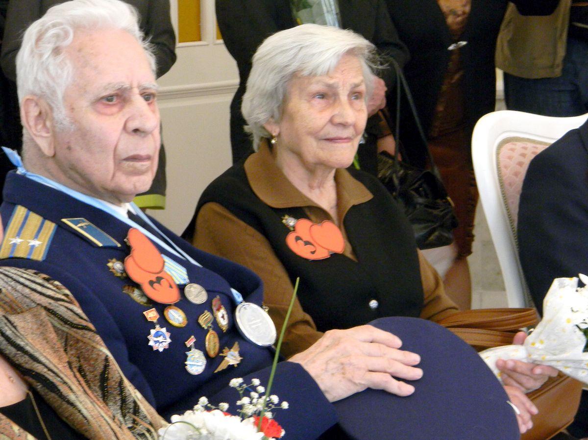 Стаж семейной жизни Михаила и Анны Рояк – 65 лет. фото: Наталья СЕМЕНОВИЧ