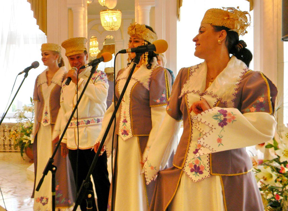 В Барановичском ЗАГСе чествовали семейные пары ветеранов. фото: Наталья СЕМЕНОВИЧ
