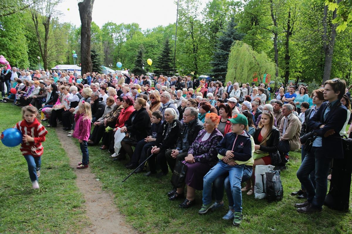 Концертная программа  в парке культуры и отдыха им. 30-летия ВЛКСМ. фото: Дмитрий МАКАРЕВИЧ