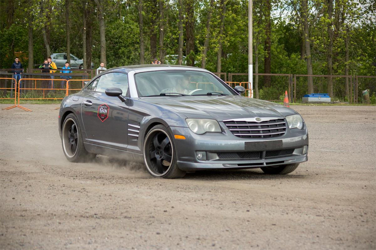 Максим проходит трассу на Chrysler Crossfire