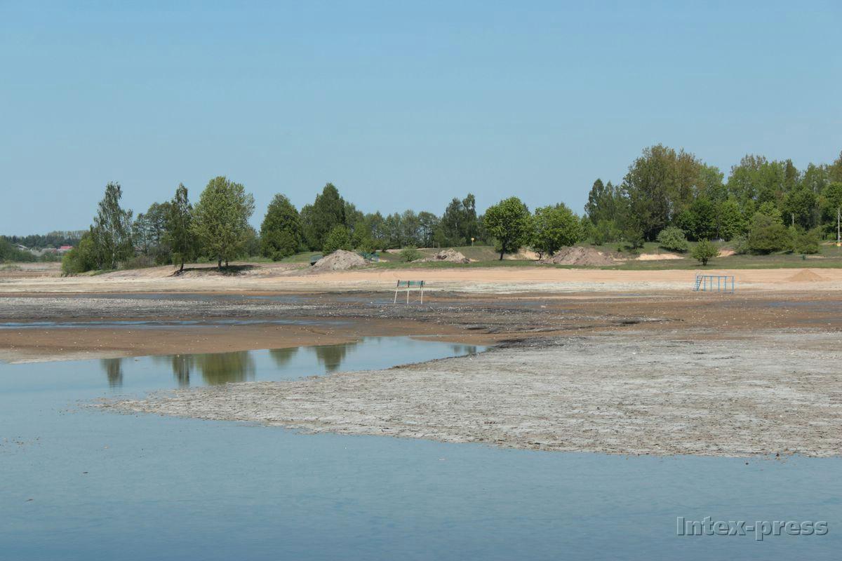 Вид водохранилища Мышанка в первый день заполнения водой. Фото: Юрий ПИВОВАРЧИК