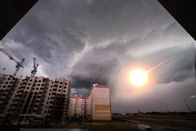 Челябинский метеорит пролетал. Фото:http://vk.com/podslyshano_baranovichi  @Александр Тристень