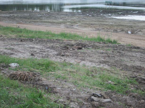 Неблагоустроенная часть пляжа. Фото: Татьяна НЕКРАШЕВИЧ