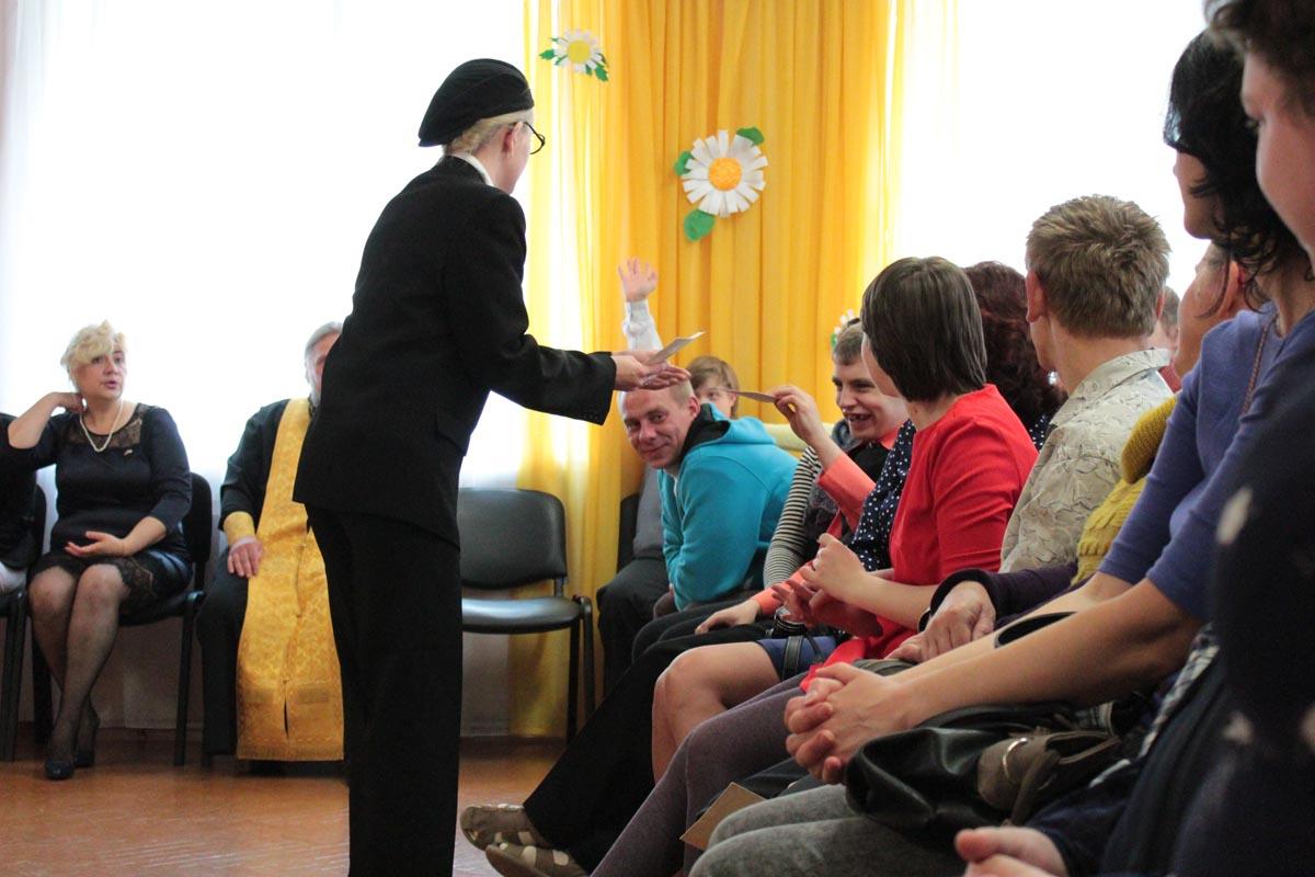 Знайка приглашает детей и их родителей поучаствовать в конкурсе.