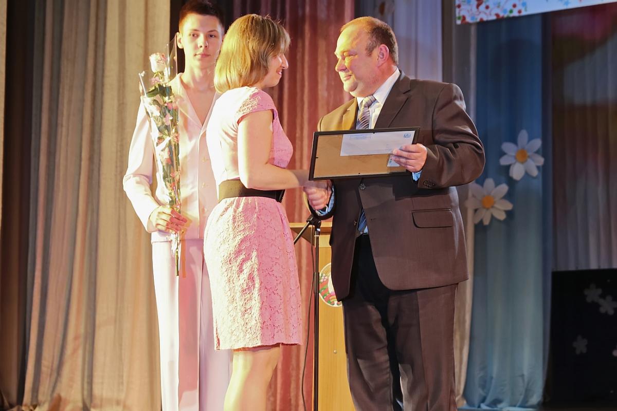 Грамоту Барановичского городского исполнительного комитета получила Ирина Олехнович, врач-педиатр пульмонологического отделения городской больницы.