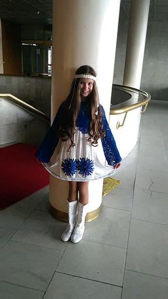 В этом костюме барановичская вокалистка пела песню Сокол. Фото из архива семьи Евменовых.