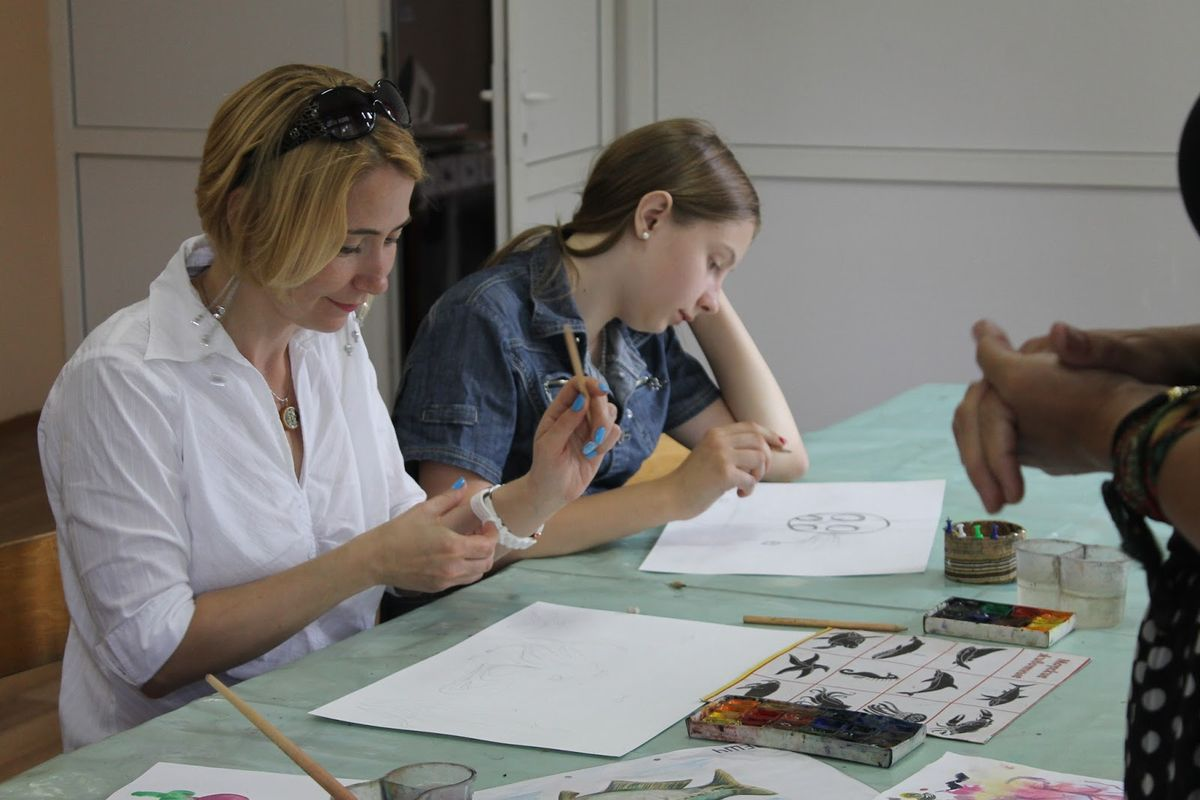 Татьяна Дерман с дочерью Верой впервые пришли на занятие. Фото: Катя ГЕТЦ