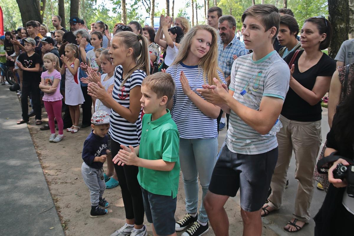 Спортивно-массовое мероприятие посвященное открытию воркаут-площадки в Барановичах.