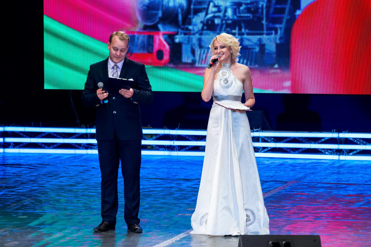 Ведущие программы Евгений Басалай и Светлана Мартынюк