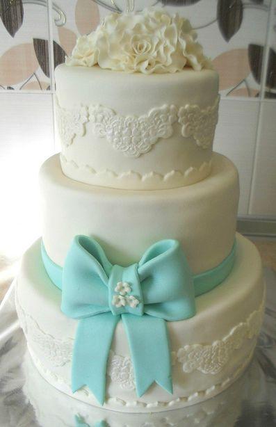 Свадебный торт. Фото из архива Виктории Тупальской.